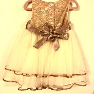 Rare Editions Dresses - Rare Editions Champagne Lace Dress